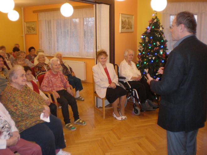 V�no�n� gratulace pro klienty v Domov� pro seniory Marie a pro obyvatele v Harmonii I a II