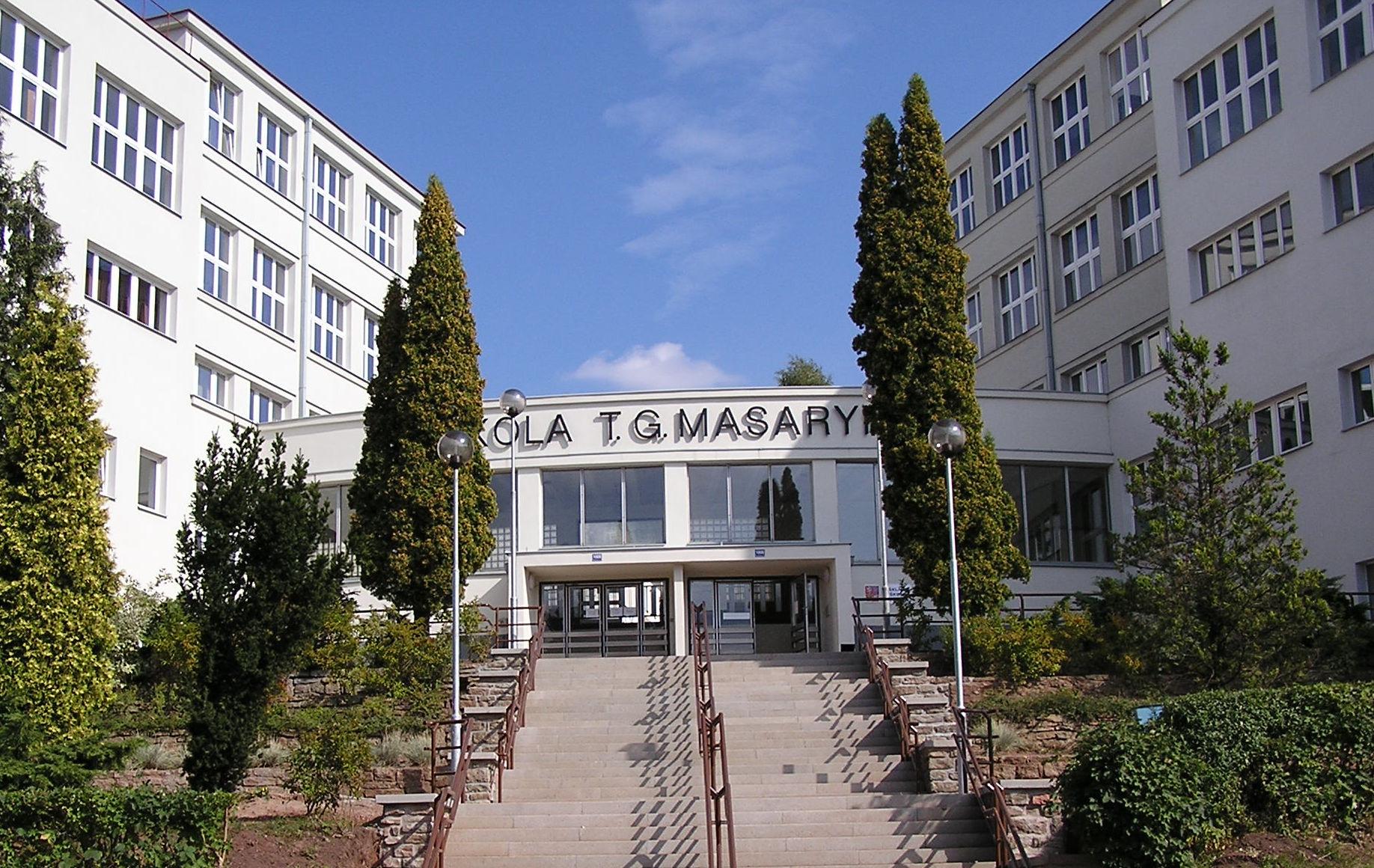Novou ředitelkou ZŠ T. G. Masaryka v Náchodě se stane Mgr. Radka Lokvencová