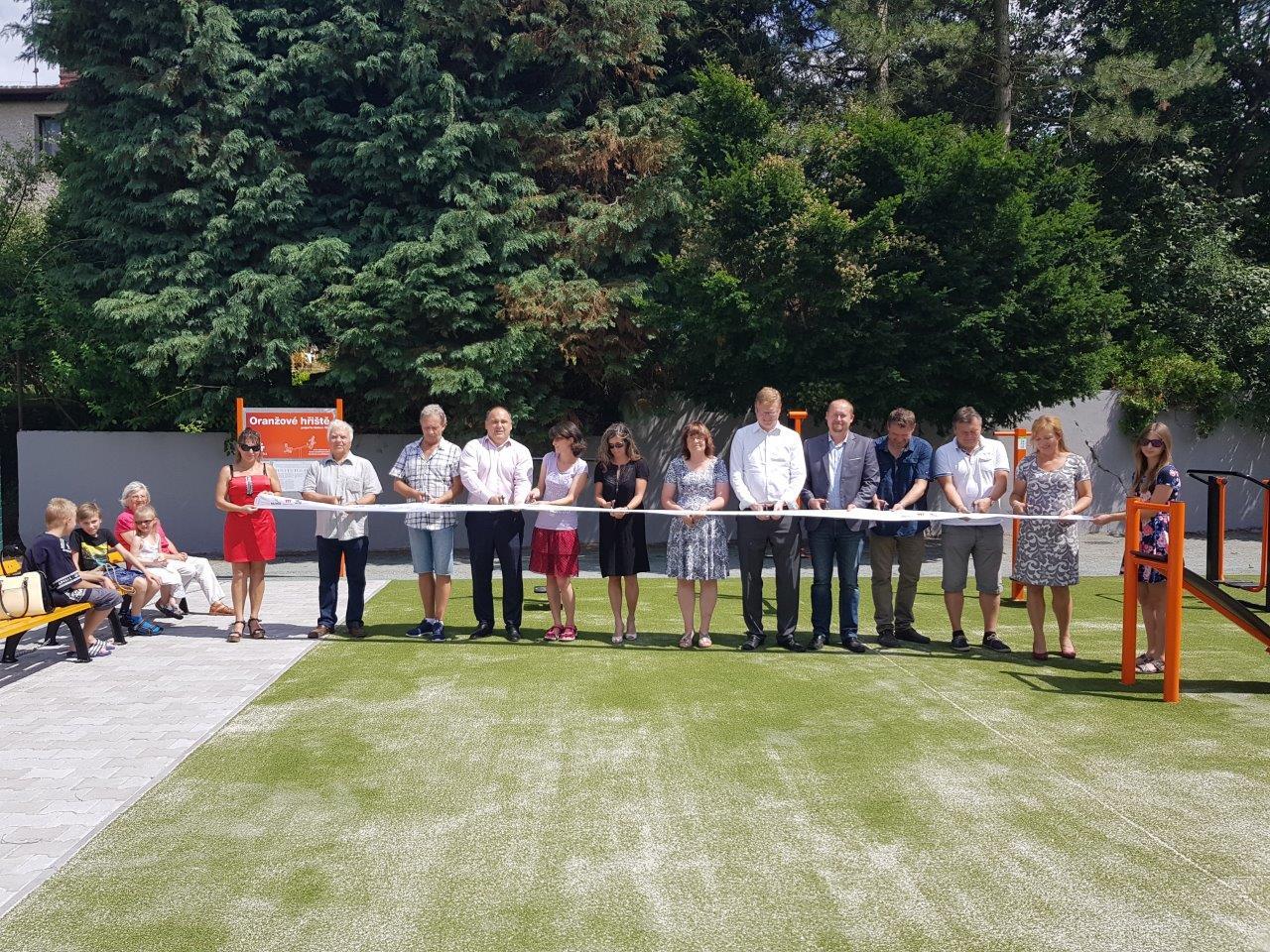 V Náchodě vzniklo nové sportoviště, které podpořila Nadace ČEZ