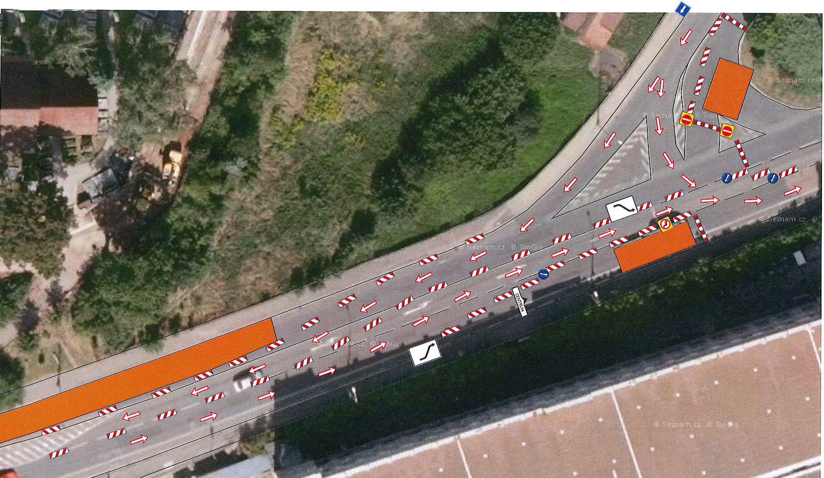Další dopravní omezení zkomplikuje do konce srpna průjezd Náchodem