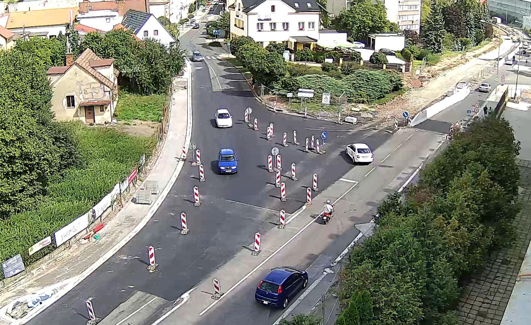 Obousměrný provoz v ulici Českoskalické na výjezdu z města