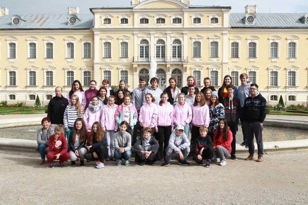 Partnerská delegace Náchoda navštívila lotyšskou Bausku