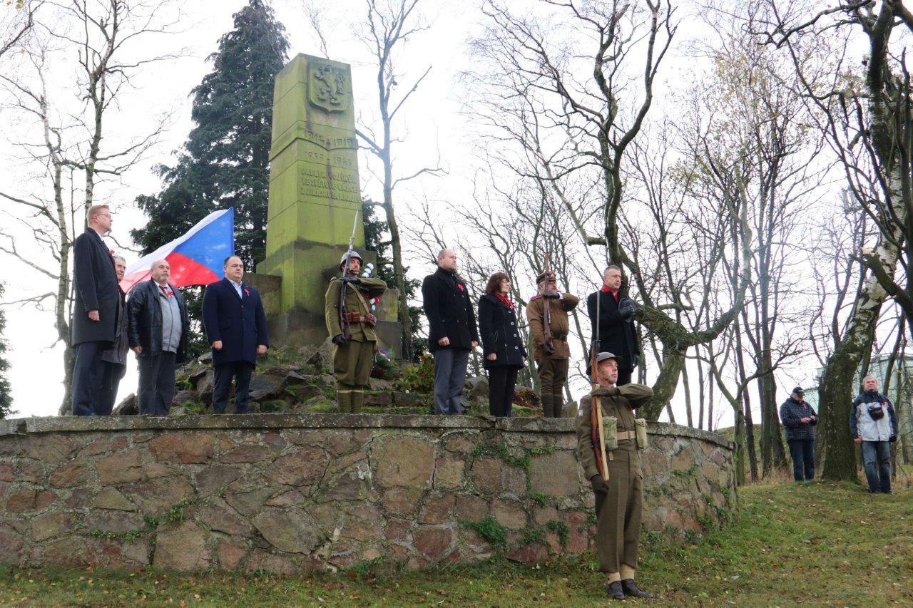 Den válečných veteránů si připomněli i představitelé Náchoda – tradičně na Dobrošově