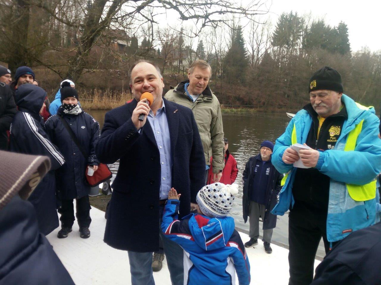 Metujští tygři dnes pořádali již 47. ročník soutěže v zimním plavání