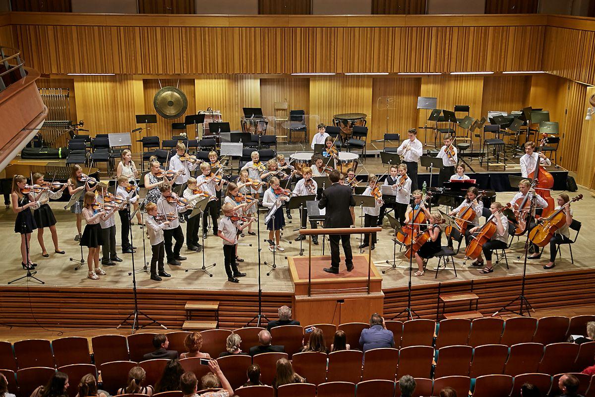 Celostátní soutěž MŠMT ve hře komorních orchestrů. Najdete úspěšnější školu?