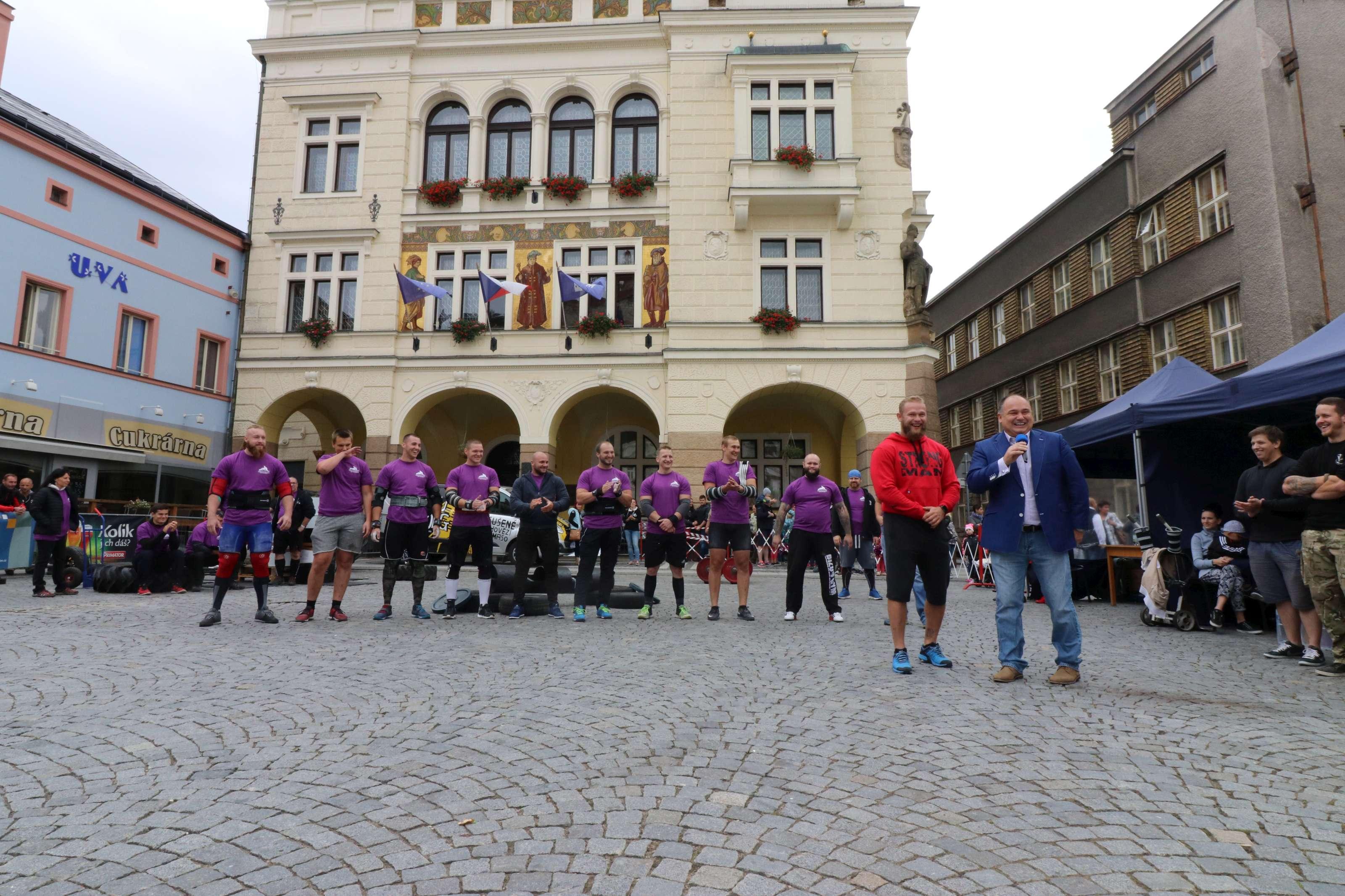 Za sportem na náměstí a Strongman Náchod letos již popáté!