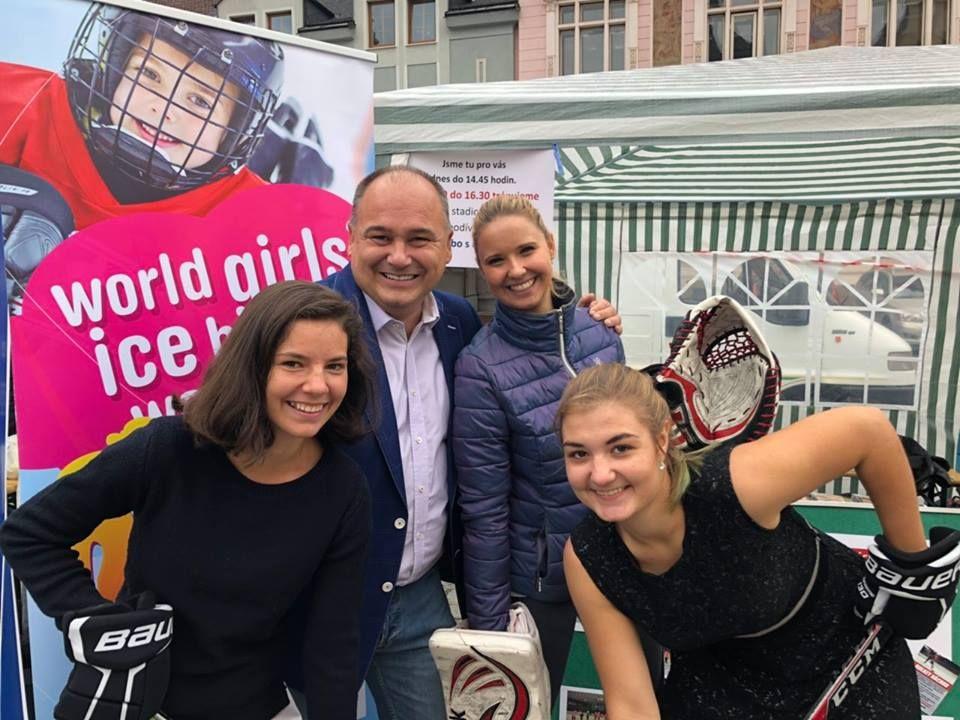 Hokejový klub Holkey Náchod pořádá první turnaj ženských týmů