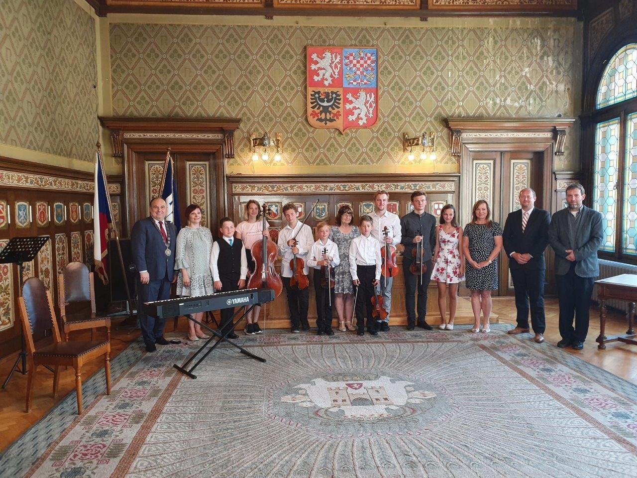 Slavnostní přijetí členů smyčcových souborů ZUŠ Náchod vedením města