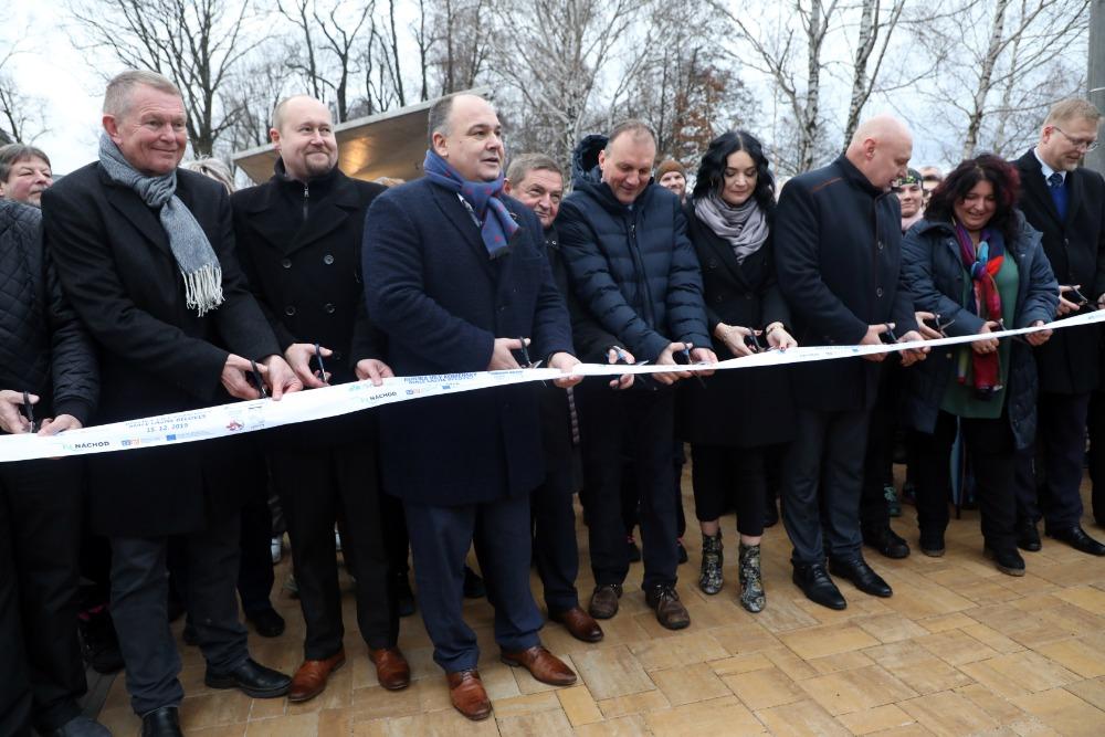 Do Náchoda se po 23 letech vrací lázeňství - replika vily Komenský dokončena