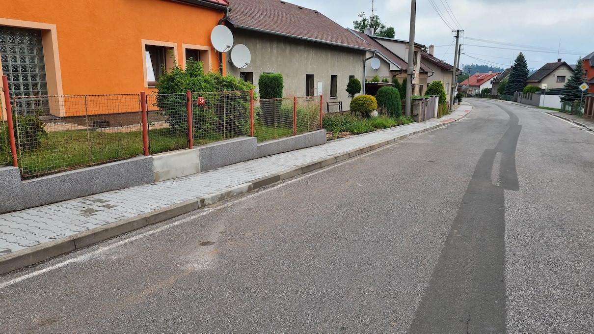 Začátek prázdnin ve znamení oprav chodníků