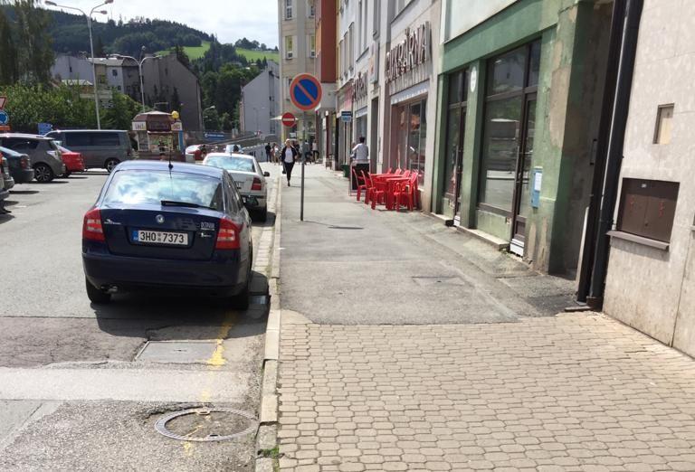 Oprava chodníku vPlhovské ulici