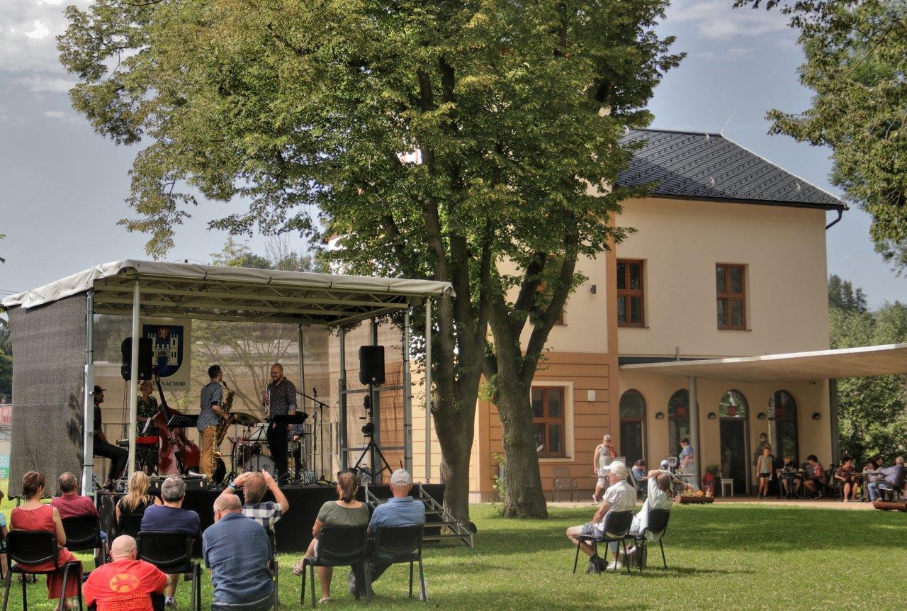 Další povedený koncert vMalých lázních v Bělovsi